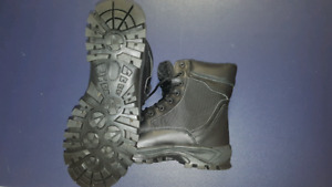 Combat/military boots