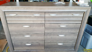 Drawers with Mirror and night table