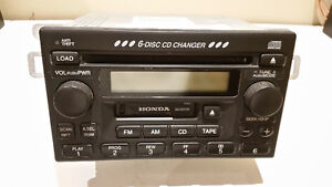 HONDA 6 DISC CD CHANGER
