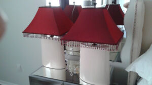 2 Red Lamps