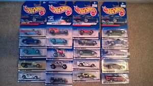 HOT WHEELS 20 CARS IN NEW PACKAGES (VINTAGE 1998 or so)