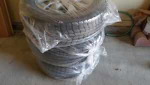 Winter tires Michelin 235/65 R17 with Rims