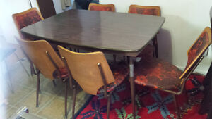 Beautiful, Dining Table with Six Chairs, Vintage
