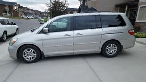 2007 Honda Odyssey Touring Minivan, Van