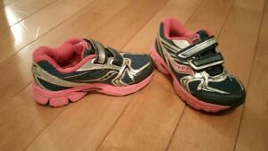 Saucony Sneakers Size 11