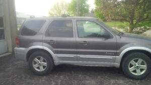 2005 Ford Other SUV, Crossover/Natural Gas w/filling station