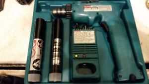 Ensemble Drill Makita 6093d 3/8 Sans Fil ,2 Batteries