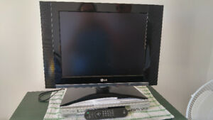 TV with remote (flat sreen)