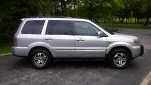 2006 Honda Pilot EX-L, safety and e-test completed.