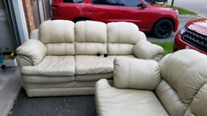 3 PIECE SOFA SET.