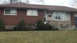 No agents plz-Private house sale in desirable Welland location!!