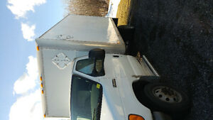 2006 Ford E-350 14 foot Cube Van only 72 Km !