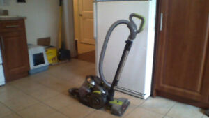 HOOVER AIR (Canister vac) Retails $258 plus tax Will sell $75