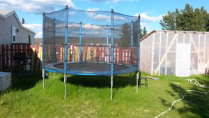 12' trampoline with safety net