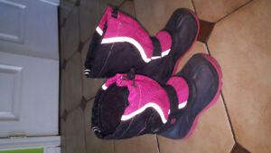 Snow shoes girls size 13