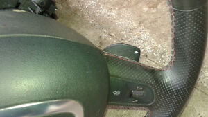 A4 B7 S-Line paddle shifter steering wheel & Airbag West Island Greater Montréal image 1
