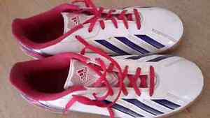 Indoor Soccer shoe. Adidas. Size 7