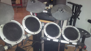 ELECTRONIC DRUM SET FOR SALE