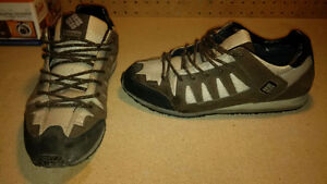 Columbia Men's Climb On shoes size 9 - NEW