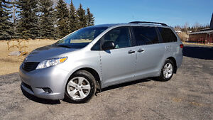 SOLD- 2015 Toyota Sienna Clean, No Hassles