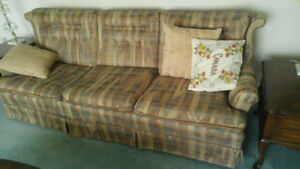 Chesterfield/ chair