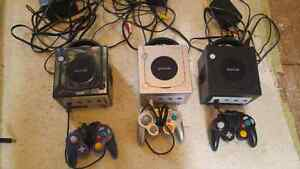 Gamecube consoles, games and controllers