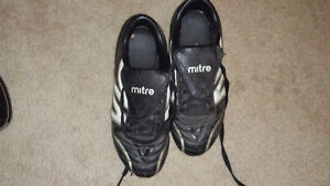 Soccer Cleats Size 7