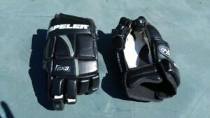 Hespeler hockey gloves
