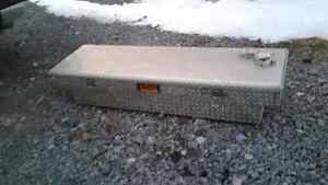 Checker plated tool box full size truck