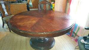 LARGE DINNING  TABLE $90