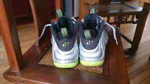 Nike foamposite electrolime silver size 9 9.5/10 condition Cambridge Kitchener Area image 2
