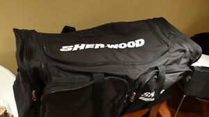 Sherwood Sports Equipment Bag Kitchener / Waterloo Kitchener Area image 2