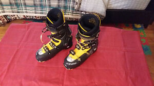 La Sportiva:Spectre Back Country Touring / Downhill Boots Kitchener / Waterloo Kitchener Area image 1