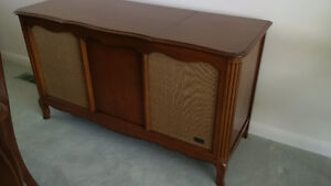 Antique Zenith stereo