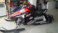 POLARIS RUSH 800 ES   MAKE AN OFFER