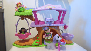 Fisher Price Little People Fairy Tree house/ Playhouse with 3 Fa