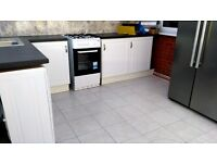 1 SPECIOUS SINGLE ROOM IN A 2 KITCHEN HOUSE AVAILABLE IN FORESTGATE/ UPTON PARK FOR RENT