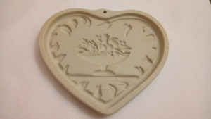 Pampered Chef Come to the Table Heart Cookie Mold