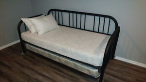 Single/King size day bed for sale.