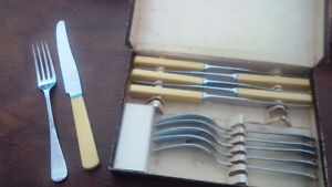 Vintage Boxed Set - 6 Knives and Six Forks Kitchener / Waterloo Kitchener Area image 1