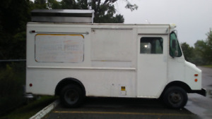 1995 grumman food truck 4 sale. inspection ready. 647 739 6460