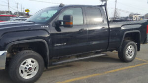 2016 GMC Sierra 2500 HD 4X4 Pickup Truck. Only 39000 KM