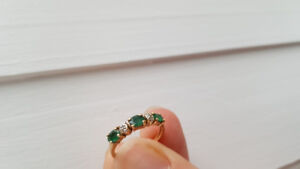 10k gold and emerald ring and earring set