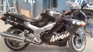 Great condition ZX11 Kawasaki for sale