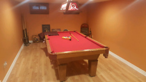Selling pool table with extras