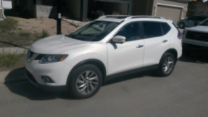2014 Nissan Rogue SL. Loaded and AWD