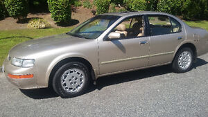 1995 Nissan Maxima GLE, 4 Dr., 6 Cyl., Auto., 1 Owner