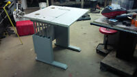 Stand up or sit down work bench (adjustable height) DELIVERY
