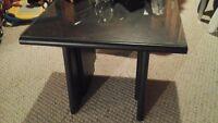 2 tables de salon noir