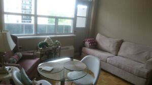 Looking for a roommate (Bloor west- High Park Ave)